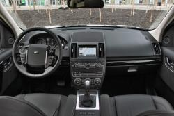 2014 Land Rover LR2 HSE LUX dashboard