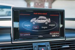 2014 Audi A7 TDI touchscreen drive mode selector