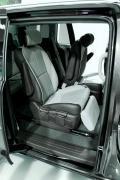 2015 Kia Sedona 7-seat configuration second row