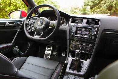 2015 Volkswagen GTI driver's seat
