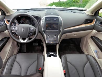 2015 Lincoln MKC dashboard