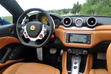 2015 Ferrari California T dashboard