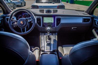 2015 Porsche Macan Turbo dashboard