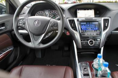 2015 Acura TLX driver's seat