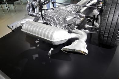2016 Mercedes-AMG GT exhaust