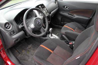 2015 Nissan Versa Note SR front seats