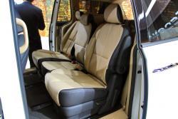 2015 Kia Sedona 8-seat configuration second row