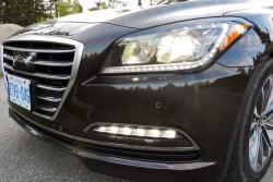 2015 Hyundai Genesis headlights