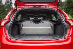 2015 Volvo V60 T6 R-Design cargo area
