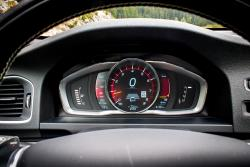 2015 Volvo V60 T6 R-Design gauges
