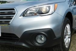 2015 Subaru Outback headlight