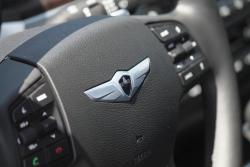 2015 Hyundai Genesis 5.0 Ultimate steering wheel detail