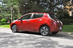 First Drive: 2015 Nissan Leaf electric green news nissan first drives