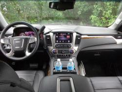2015 GMC Yukon dashboard