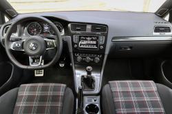 2015 Volkswagen GTI dashboard