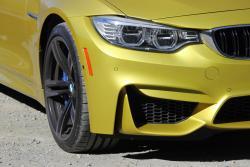 2015 BMW M4 headlight