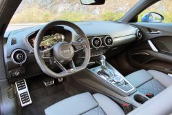 2016 Audi TT dashboard