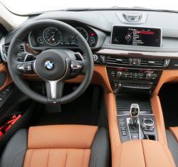2015 BMW X6 driver's seat