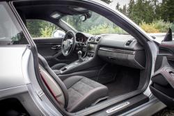 2015 Porsche Cayman GTS dashboard