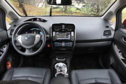2015 Nissan LEAF dashvborad