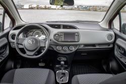 2015 Toyota Yaris LE dashboard