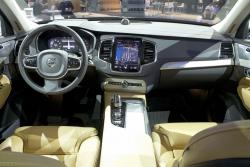 2016 Volvo XC90 dashboard
