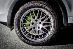 2015 Porsche Cayenne S E-Hybrid wheel