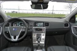 2015 Volvo V60 T5 Drive-E dashboard
