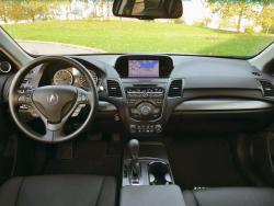 2015 Acura RDX Tech dashboard
