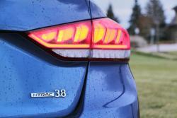 2015 Hyundai Genesis 3.8 V6 taillight