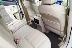 2015 Nissan Murano Platinum rear seats