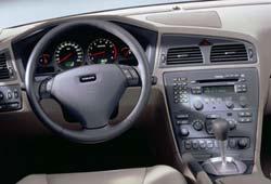 2001 Vovlo S60 dash