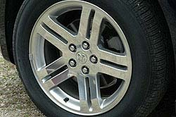 2006 Dodge Charger 17-inch wheel