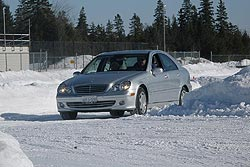 Traction 2006: Mercedes-Benz C350 4MATIC