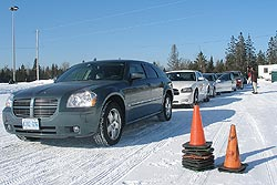 Traction 2006: Vehicles waiting at the slalom course