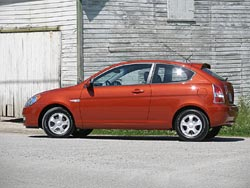 First Drive: 2007 Hyundai Accent two-door hatchback - Autos.ca