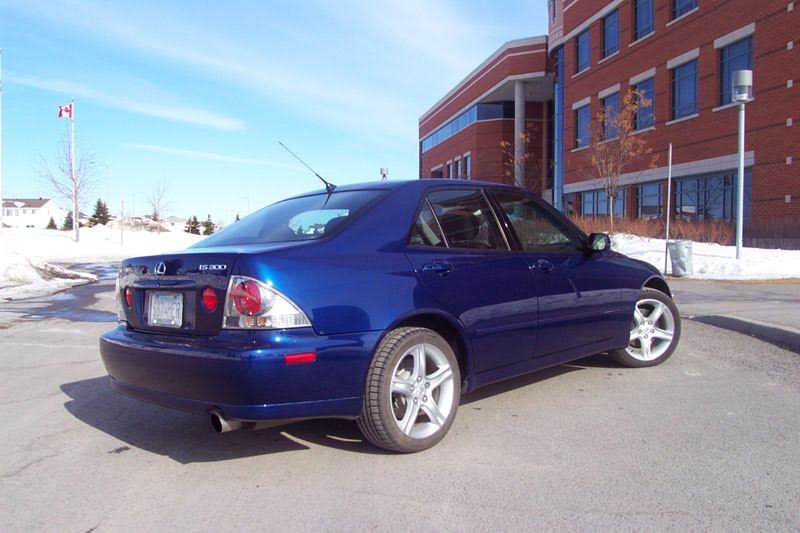 Used Vehicle Review  Lexus Is300  2001-2005