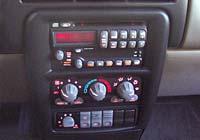 2003 Pontiac Montana GT - floor console