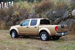 first drive 2005 nissan frontier. Black Bedroom Furniture Sets. Home Design Ideas