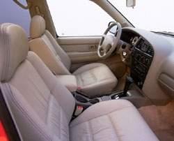 2001 Nissan Pathfinder - interior