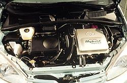 2001 Toyota Prius engine compartment