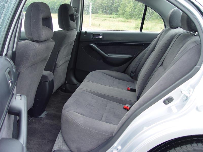 used vehicle review acura el 2001 2005 page 2 of 2 autos ca rh autos ca 2005 Acura TSX 2005 Acura El Interior
