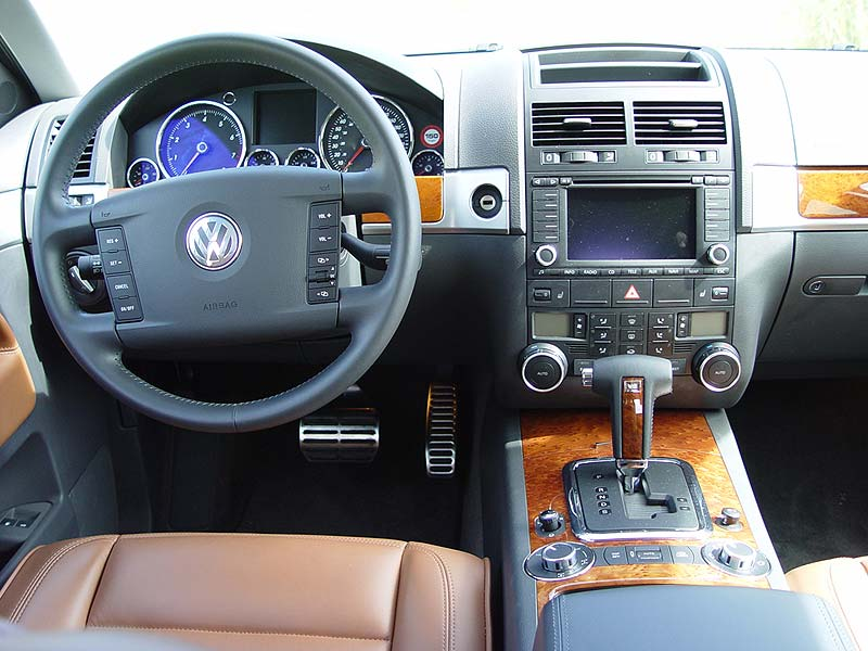 Used Vehicle Review Volkswagen Touareg 2004 2010 Autos Ca