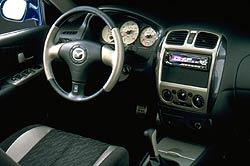 2001 Mazda MP3 interior
