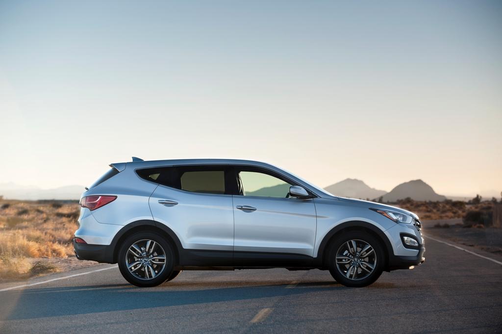 Hyundai Canada Shows Off 2013 Santa Fe Crossover