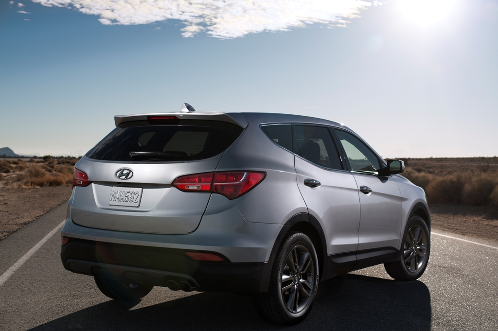 Hyundai Canada Shows Off 2013 Santa Fe Crossover