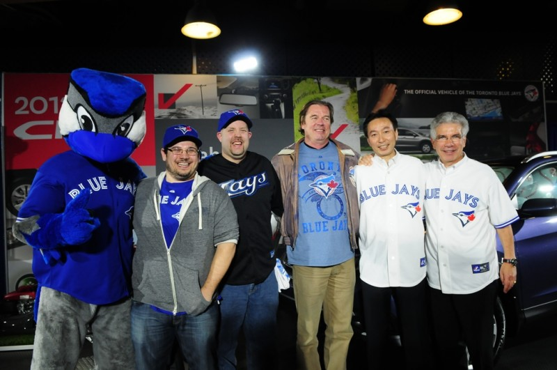 Blue Jay Fan Wins a Lawnmower (and Some Other Guy Gets a CR V) general news