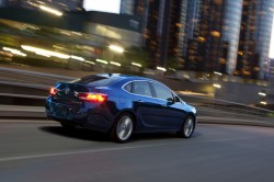 2013-Buick-Verano-Turbo-018-medium