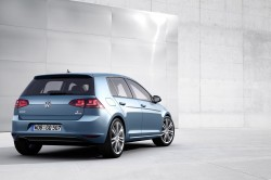 2014 Volkswagen Golf02