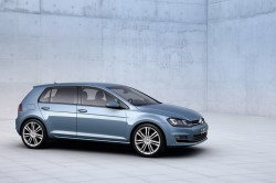 2014 Volkswagen Golf06